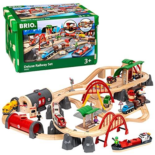 BRIO World 33052 Straßen & Schienen Bahn Set Deluxe – Straßen & Schienen für die BRIO Eisenbahn –...
